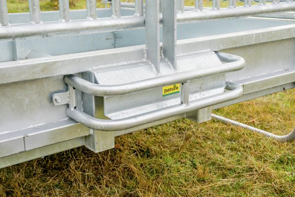 Dreipunkt-Schutzbügel für Pferderaufe Optimal